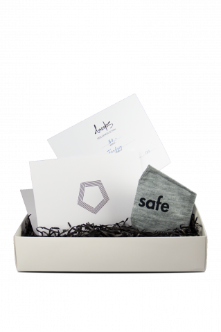 Gutschein Box weiß 50 EUR + gratis Maske Stay Safe grey heather